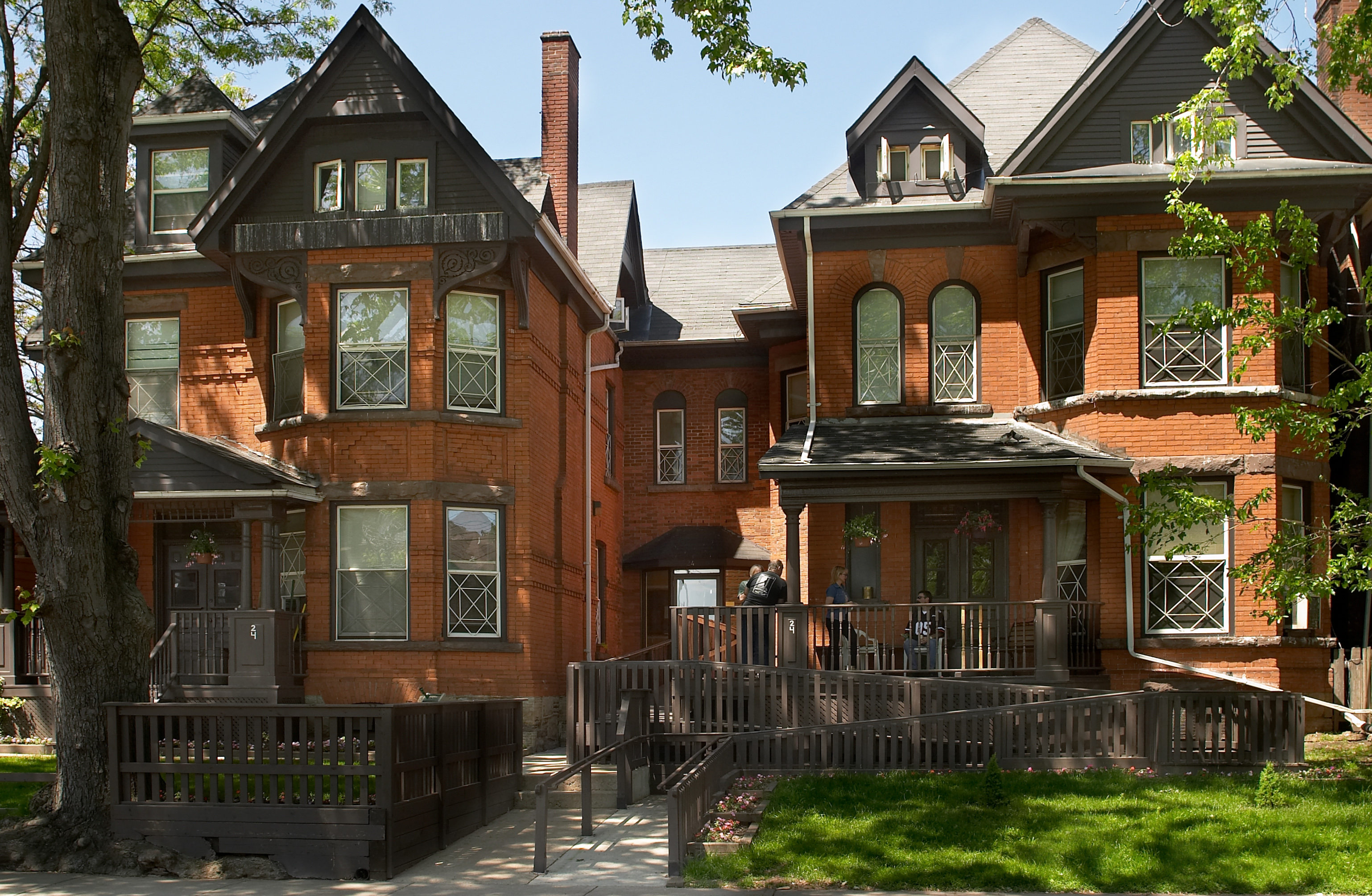 Emerald Street Residence